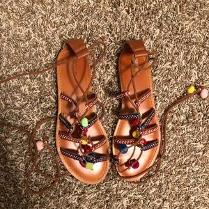 Mossimo charm sandals size 8